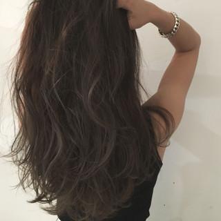 アッシュ セミロング ウェットヘア ハイライト ヘアスタイルや髪型の写真・画像