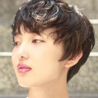 ゆるふわ レイヤーカット ショート フェミニン ヘアスタイルや髪型の写真・画像