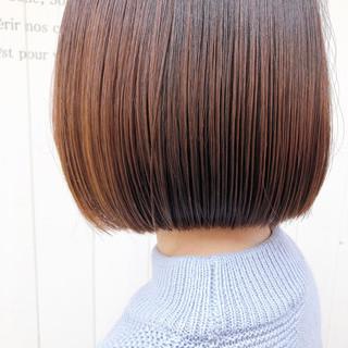 フェミニン ショートヘア 切りっぱなしボブ ベリーショート ヘアスタイルや髪型の写真・画像