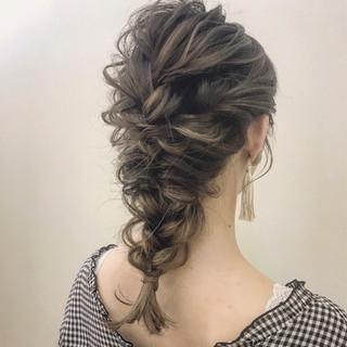 ゆるふわ アンニュイ 結婚式 簡単ヘアアレンジ ヘアスタイルや髪型の写真・画像