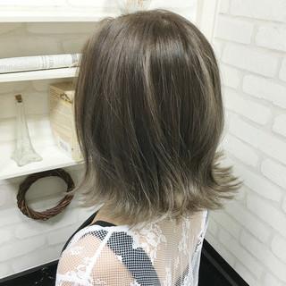 外国人風 ボブ グレージュ アッシュ ヘアスタイルや髪型の写真・画像