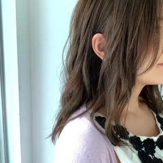 セミロング 大人可愛い アディクシーカラー ゆるふわセット ヘアスタイルや髪型の写真・画像