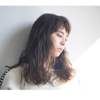 セミロング パーマ ラフ モード ヘアスタイルや髪型の写真・画像