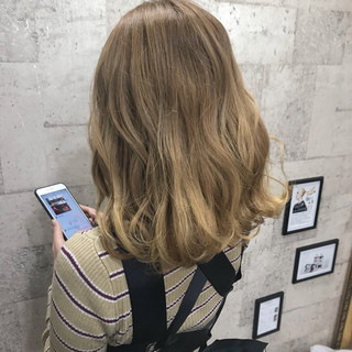 エレガント 上品 ハイトーン ブリーチ ヘアスタイルや髪型の写真・画像 ヘアスタイルや髪型の写真・画像