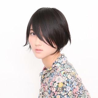 前髪あり ナチュラル ショート メンズ ヘアスタイルや髪型の写真・画像