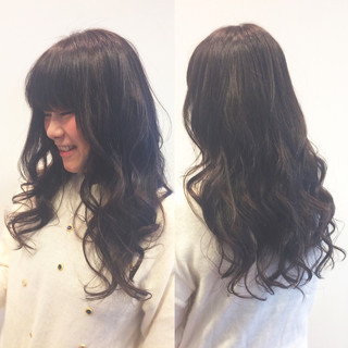 ナチュラル アッシュ 艶髪 ロング ヘアスタイルや髪型の写真・画像