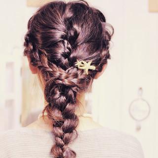 編み込み 簡単ヘアアレンジ ロング ナチュラル ヘアスタイルや髪型の写真・画像