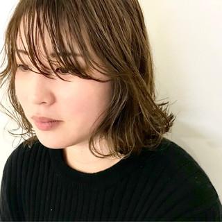 オーガニック ナチュラル セミロング ウェットヘア ヘアスタイルや髪型の写真・画像