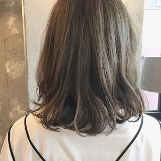 色気 ミディアム 涼しげ ナチュラル ヘアスタイルや髪型の写真・画像 ヘアスタイルや髪型の写真・画像