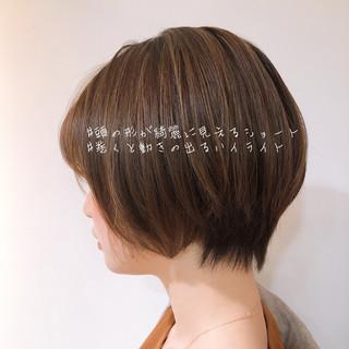 デート ナチュラル ショートボブ オフィス ヘアスタイルや髪型の写真・画像