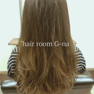 グラデーションカラー ベージュ 透明感 秋 ヘアスタイルや髪型の写真・画像