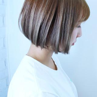 ブリーチ ヘアカラー ハイライト ナチュラル ヘアスタイルや髪型の写真・画像