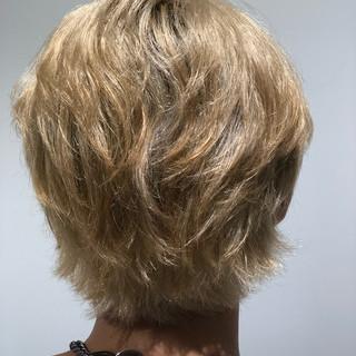ホワイトカラー ショート ショートヘア ウルフカット ヘアスタイルや髪型の写真・画像