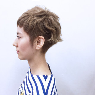 ストリート アッシュ くせ毛風 ストレート ヘアスタイルや髪型の写真・画像 ヘアスタイルや髪型の写真・画像