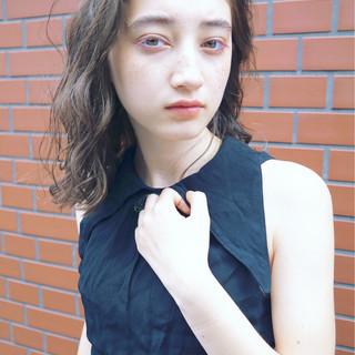 アンニュイ グレージュ ナチュラル パーマ ヘアスタイルや髪型の写真・画像