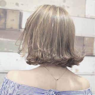 アッシュ 極細ハイライト 切りっぱなしボブ ボブ ヘアスタイルや髪型の写真・画像
