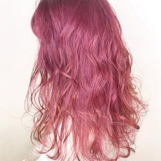 セミロング ミルクティー ウェーブ 外国人風カラー ヘアスタイルや髪型の写真・画像 ヘアスタイルや髪型の写真・画像