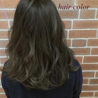 くせ毛風 ナチュラル 外国人風 ハイライト ヘアスタイルや髪型の写真・画像