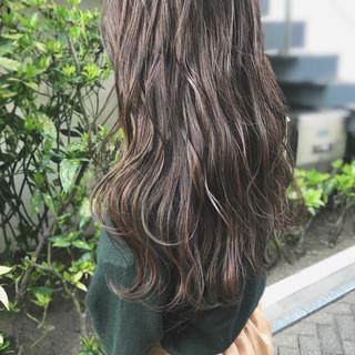 ロング 外国人風カラー 360度どこからみても綺麗なロングヘア ナチュラル ヘアスタイルや髪型の写真・画像 ヘアスタイルや髪型の写真・画像