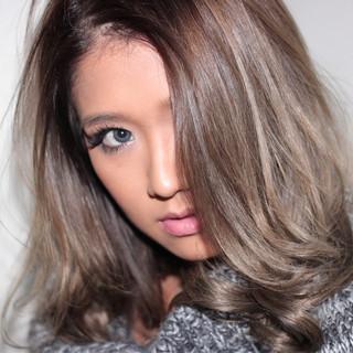 外国人風 渋谷系 レイヤーカット セミロング ヘアスタイルや髪型の写真・画像