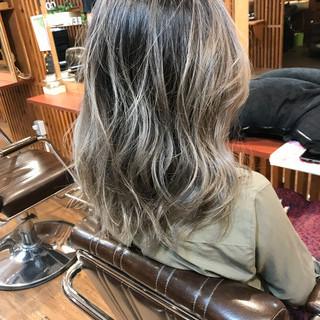 フェミニン 外国人風カラー セミロング 外国人風 ヘアスタイルや髪型の写真・画像