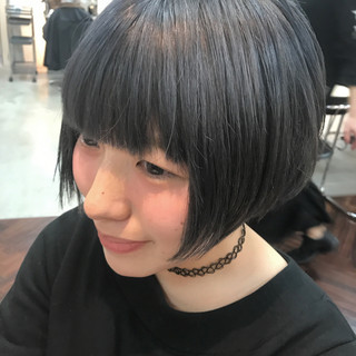 大人女子 ショート 暗髪 小顔 ヘアスタイルや髪型の写真・画像