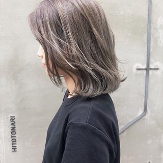 グレージュ 外国人風カラー ミディアム ナチュラル ヘアスタイルや髪型の写真・画像