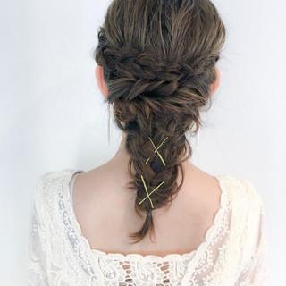 ゆるふわ フェミニン 編み込み ヘアアレンジ ヘアスタイルや髪型の写真・画像