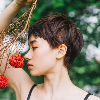 ショート デート パーマ ナチュラル ヘアスタイルや髪型の写真・画像