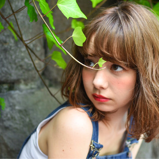 フェミニン ミディアム ストリート ピュア ヘアスタイルや髪型の写真・画像
