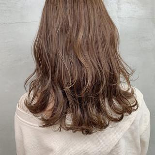 デート セミロング 成人式 ミルクティー ヘアスタイルや髪型の写真・画像