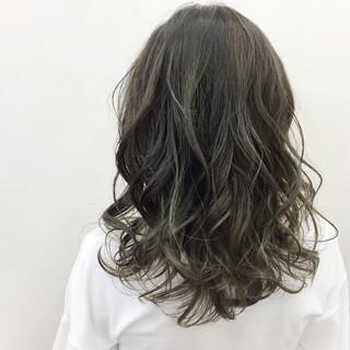 秋 外国人風カラー グレージュ 透明感 ヘアスタイルや髪型の写真・画像