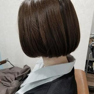 デート ボブ グレージュ 暗髪 ヘアスタイルや髪型の写真・画像