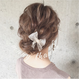 ガーリー ヘアアレンジ ナチュラル ミディアム ヘアスタイルや髪型の写真・画像