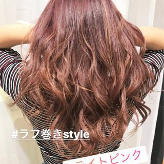 ピンクアッシュ ラベンダーピンク ベージュ セミロング ヘアスタイルや髪型の写真・画像