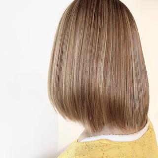 フェミニン 縮毛矯正 3Dハイライト 大人可愛い ヘアスタイルや髪型の写真・画像