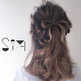 ヘアアレンジ 編み込み 簡単ヘアアレンジ ガーリー ヘアスタイルや髪型の写真・画像