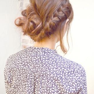 ロング ルーズ ヘアアレンジ ピュア ヘアスタイルや髪型の写真・画像