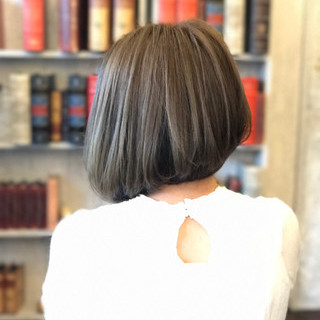 イルミナカラー ボブ インナーカラー モード ヘアスタイルや髪型の写真・画像