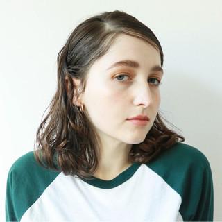 パーマ ミディアム 春 ウェーブ ヘアスタイルや髪型の写真・画像 ヘアスタイルや髪型の写真・画像