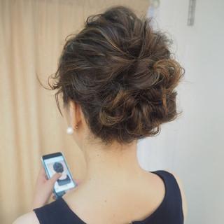 簡単ヘアアレンジ ゆるふわ 成人式 ウェーブ ヘアスタイルや髪型の写真・画像