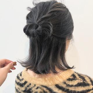ヘアアレンジ 切りっぱなしボブ ダークカラー フェミニン ヘアスタイルや髪型の写真・画像