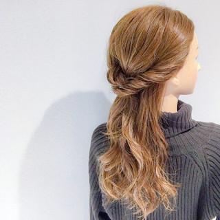 簡単ヘアアレンジ オフィス ヘアアレンジ セミロング ヘアスタイルや髪型の写真・画像