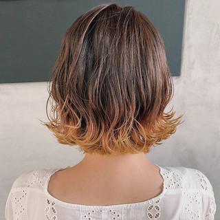 スモーキーアッシュベージュ 外ハネボブ ボブ ヘアアレンジ ヘアスタイルや髪型の写真・画像
