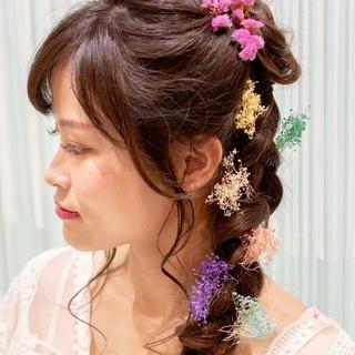 フェミニン ヘアアレンジ 編みおろし 撮影 ヘアスタイルや髪型の写真・画像