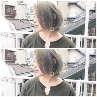 ボブ ストリート オリーブグレージュ ミルクティーグレージュ ヘアスタイルや髪型の写真・画像
