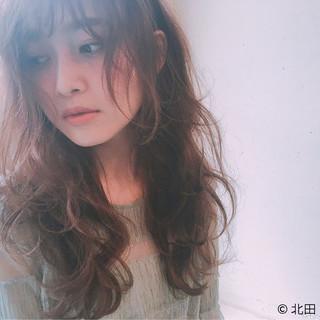 パーマ 前髪あり フェミニン 外国人風 ヘアスタイルや髪型の写真・画像 ヘアスタイルや髪型の写真・画像
