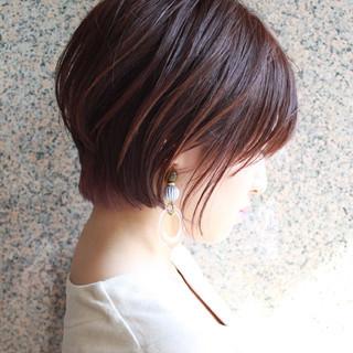 小顔 オフィス ボブ ラベンダーピンク ヘアスタイルや髪型の写真・画像