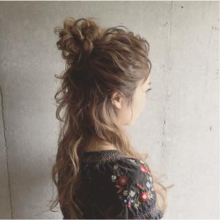 セミロング 結婚式 大人かわいい ナチュラル ヘアスタイルや髪型の写真・画像