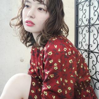 冬 外国人風 パーマ ミディアム ヘアスタイルや髪型の写真・画像
